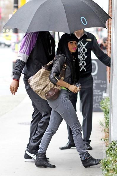Nicki Minaj Fake. Nicki Minaj (and her stank