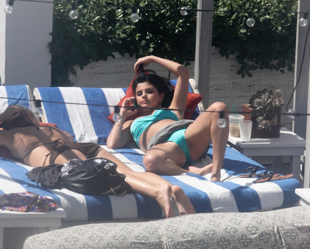 Oops Selena Gomez Mostrando A Bucetinha Fotos