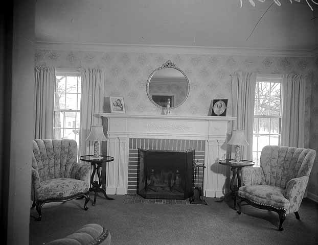 Time machine to the twenties 1940s living and dining room for Living room necessities