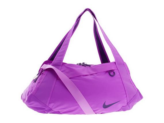 un vistazo a la colección Nike para las bolsas de deporte femenino, sino que incluye una gran variedad de bolsos más elegante y moderno que no le dejarán