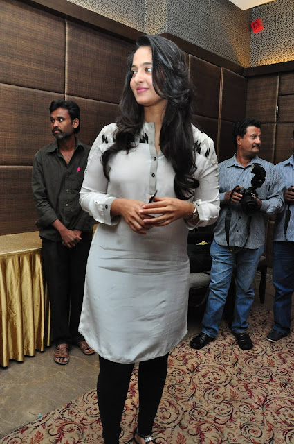 Anushka Latest Photos At Rudhramadevi Movie Press Meet