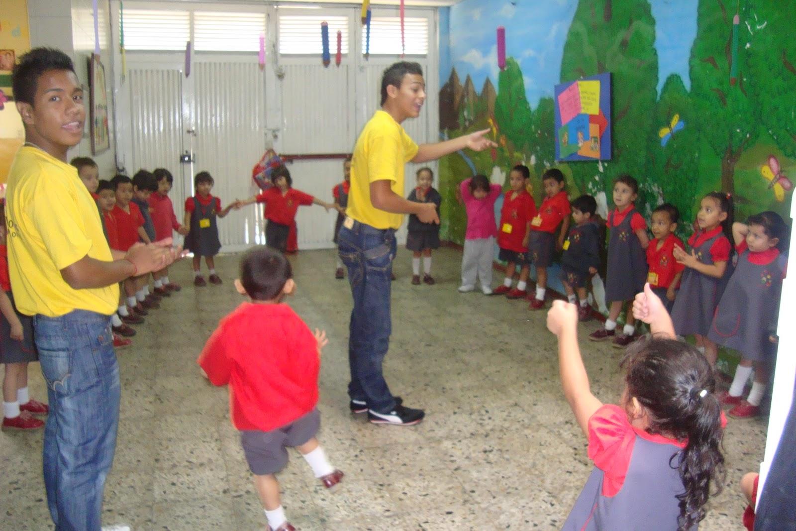 Titeres en jardines preescolares revoltosos recreaciones for Cascanueces jardin infantil medellin