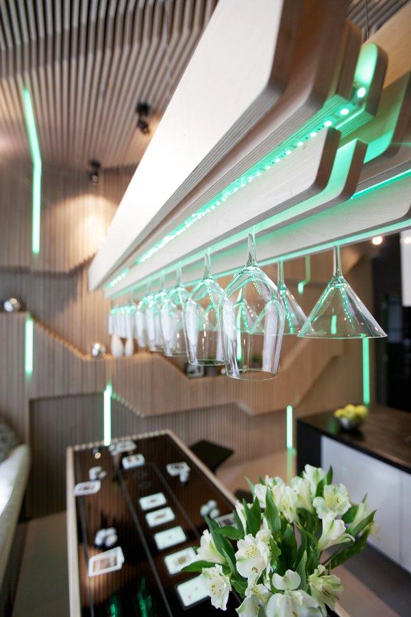 Desain Dapur Futuristic by Geometrix Design