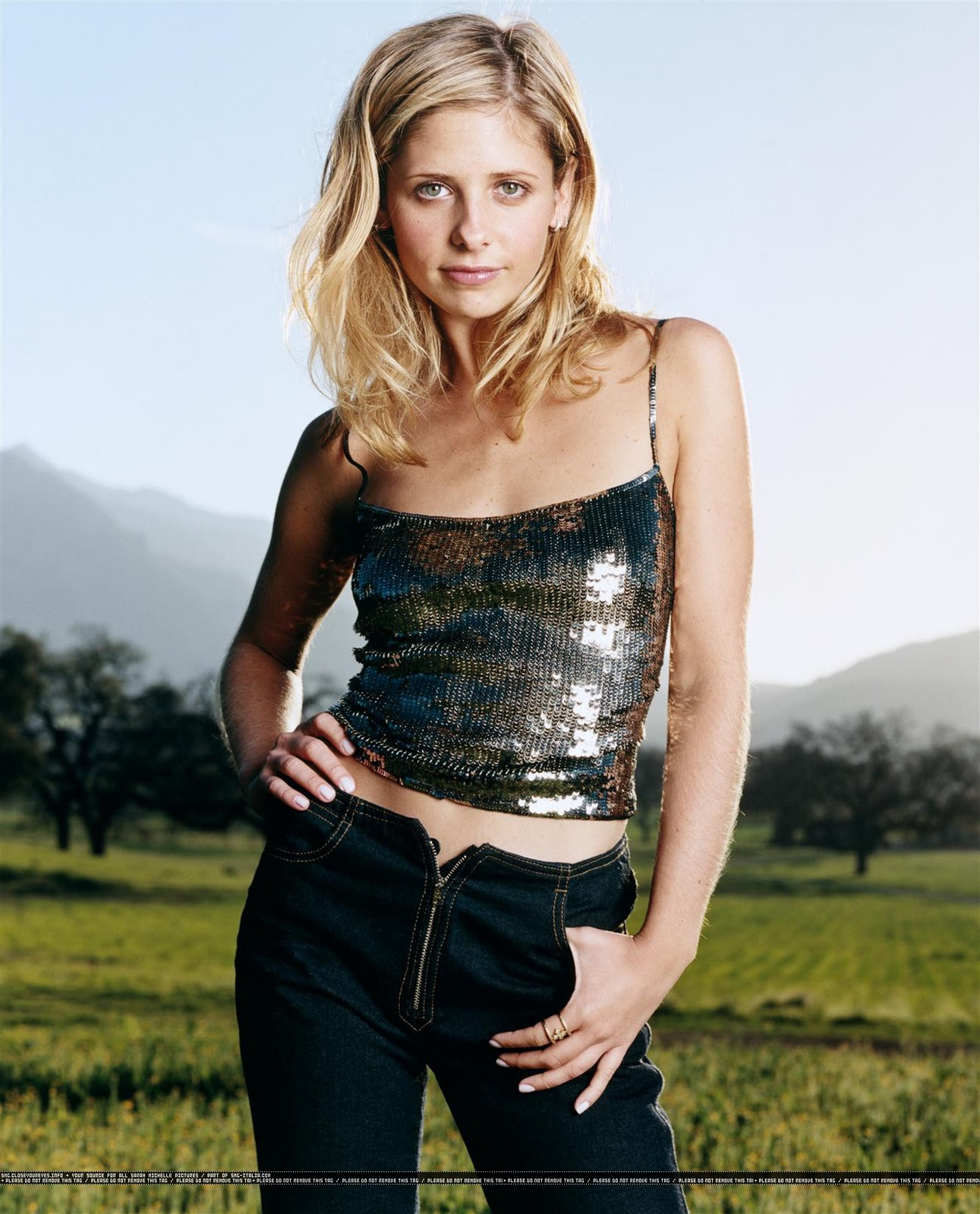 buffy, sarah michelle gellar, hairy arms Pictures, buffy