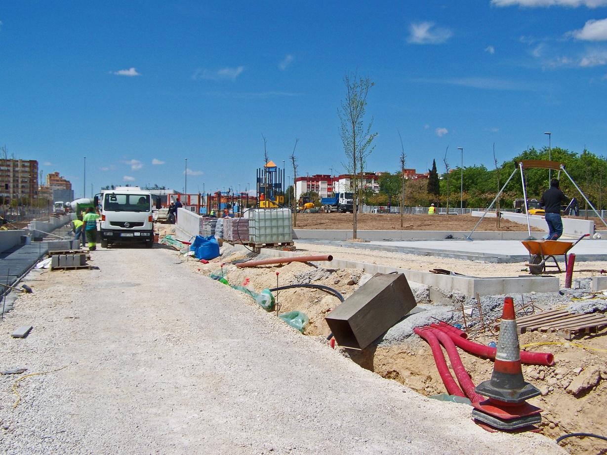 Alacant de profit el parque de la tirolina for Piscinas financiadas
