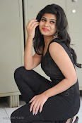 Alekya Photos in Black at Aa Aiduguru Press meet-thumbnail-3