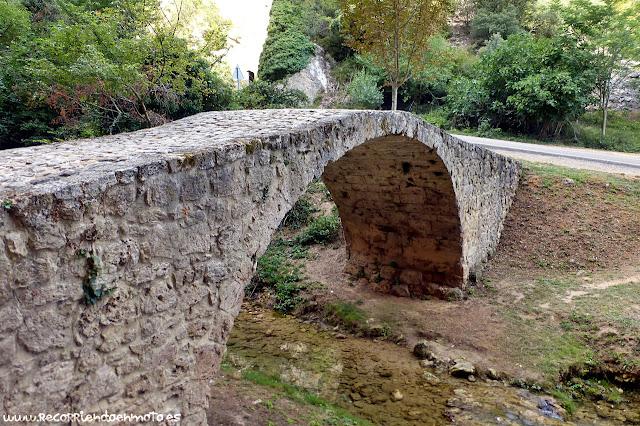 Puente medieval sobre el río Molinar, Tobera