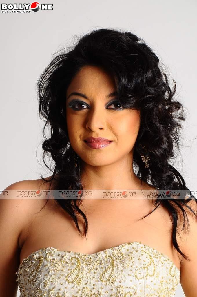 Hot Actress Tanushree dutta Pictures