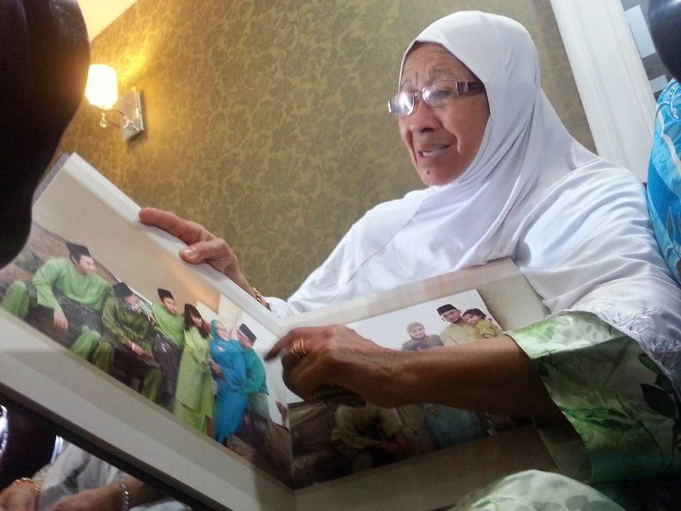 Terkini Satu Keluarga Mangsa MH17 Dari Kuching Sarawak