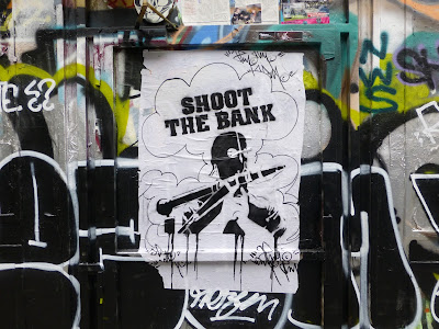 shoot the bank rue desnoyer street art pochoir paris