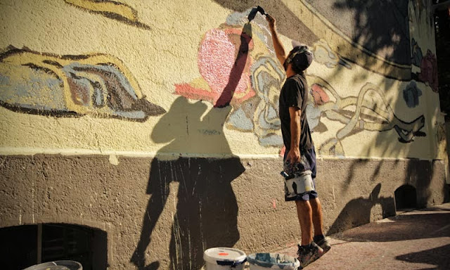 Street Art By Spanish Artist Aryz For Positive Propaganda In Munich, Germany. 4