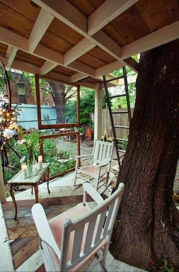 una casa vintage en un árbol