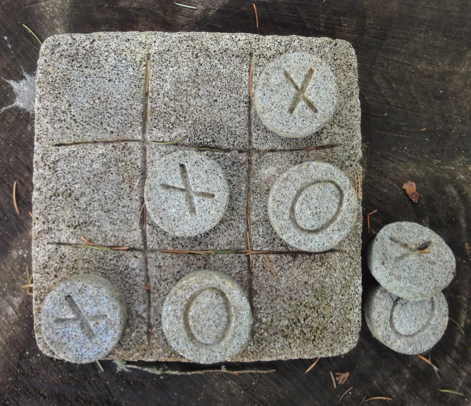 CONCRETE STEPPING STONE OR OUTDOOR CONCRETE TIC-TAC-TOE GAME