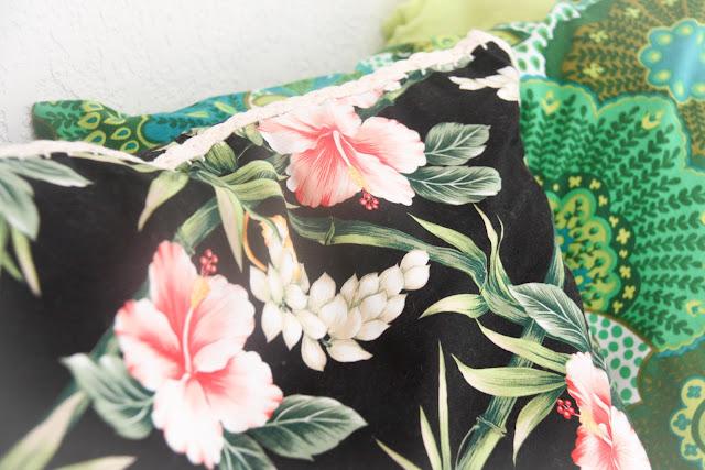 tissu hawaii,a beachy life, coussin, crochet,vintage