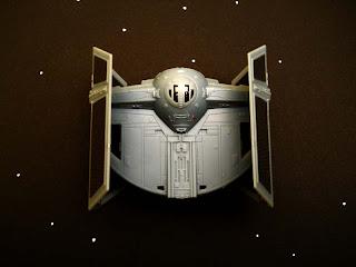 maqueta en miniatura para montar de la nave de Darth Vader