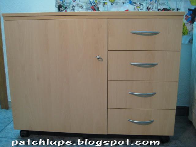Maquina de coser buscar mueble maquina de coser - Mesa para maquina de coser ikea ...