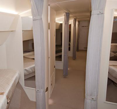 Pesawat Boeing 747-8 pribadi dengan 8 kamar tidur