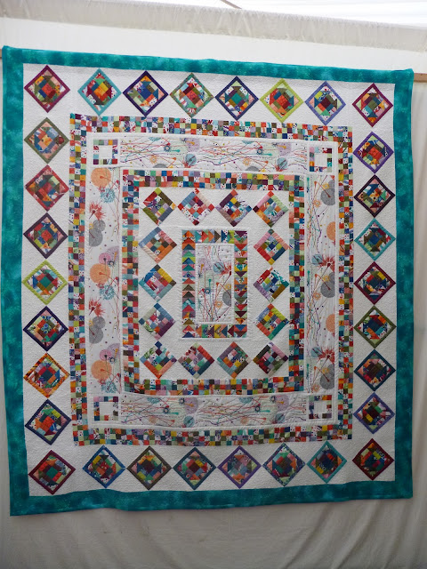 Medallion quilt, exhibited at Malvern Quilt Show 2013 (title & maker unknown)