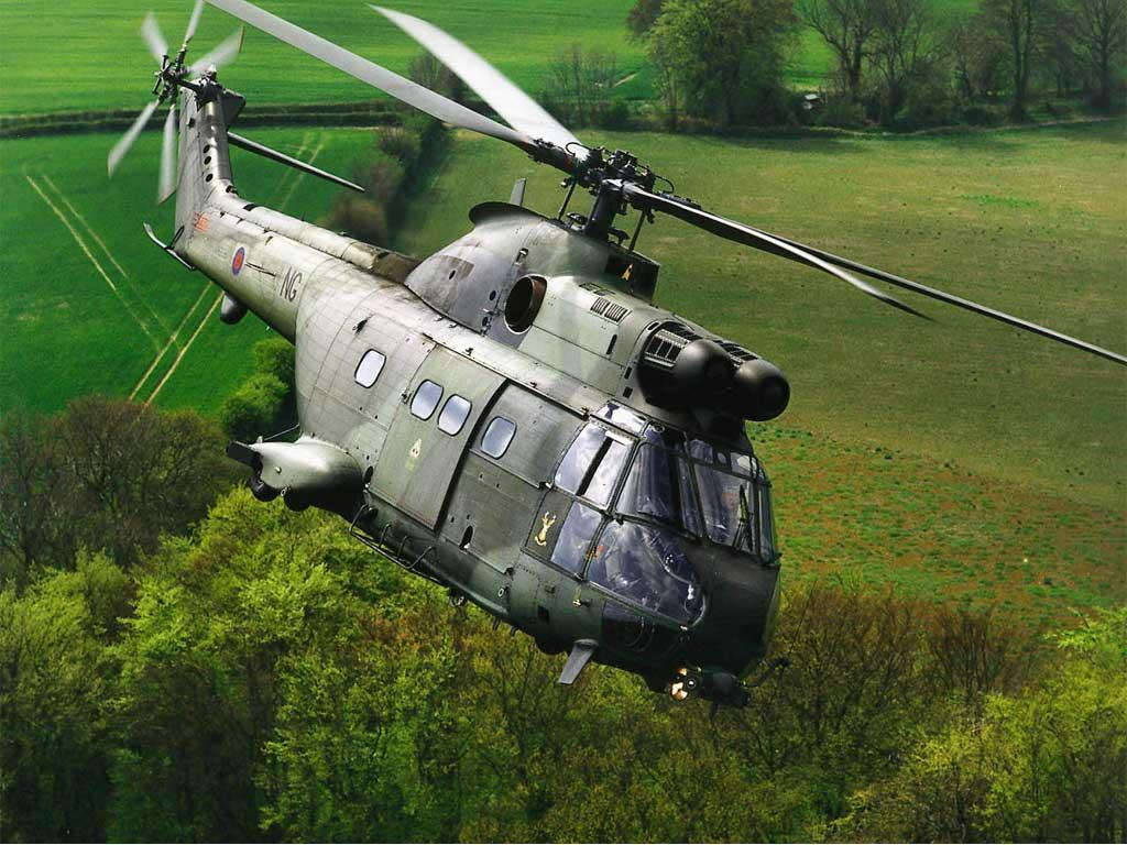 http://2.bp.blogspot.com/-J6dZtv-KA-0/UBTHcP_pbQI/AAAAAAAAAzY/329H4jNcJDU/s1600/Helicopters%2BWallpaper_%2B2.jpg