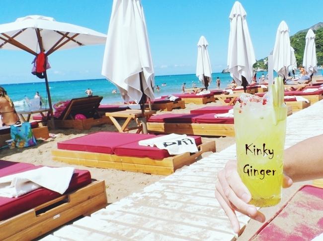 Pazuzu beach bar,Glyfada beach,Corfu.Where to go in Corfu.Pazuzu bar cocktails.Pazuzu bar Kinky Ginger.Best beach bars in Corfu.Gde ici na Krfu.Glifada plaza,Krf.