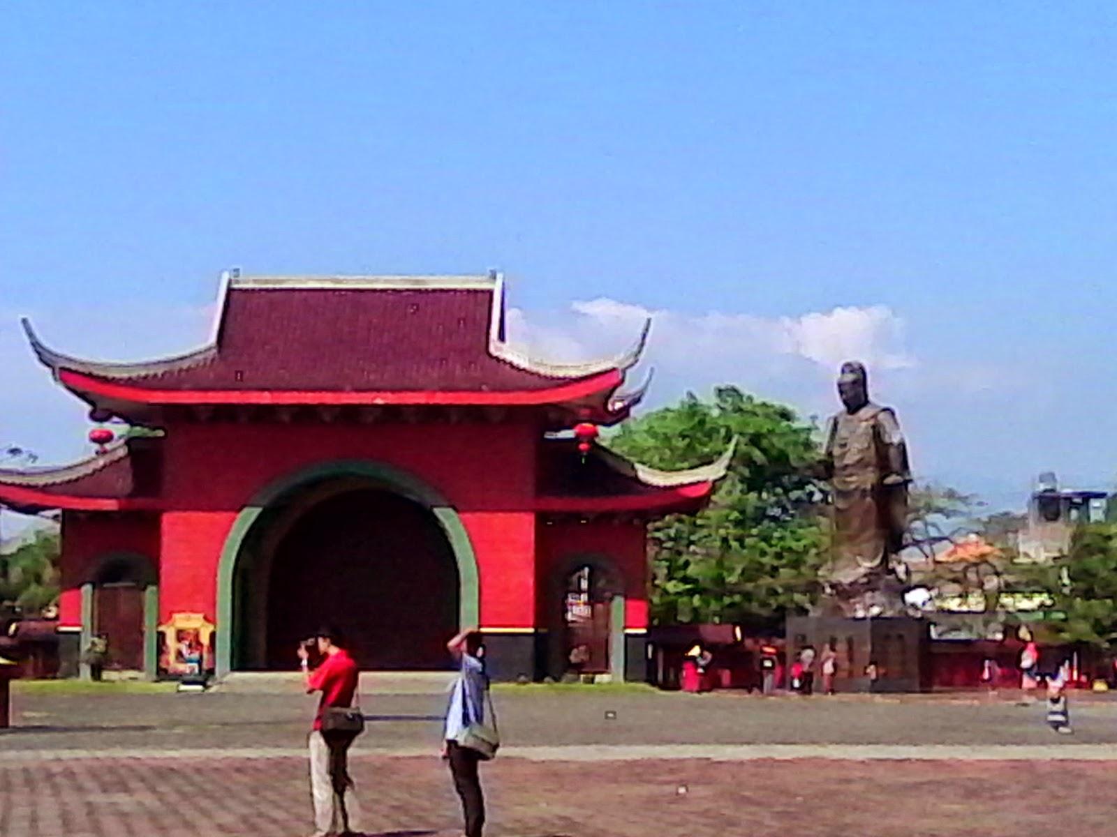 gedung batu temple
