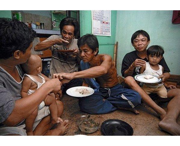 http://2.bp.blogspot.com/-J71Z_zLGbAE/TVx_kdOUNGI/AAAAAAAAOZE/HkWfc0zxKEA/s1600/64104011-filipino-laborer.jpg