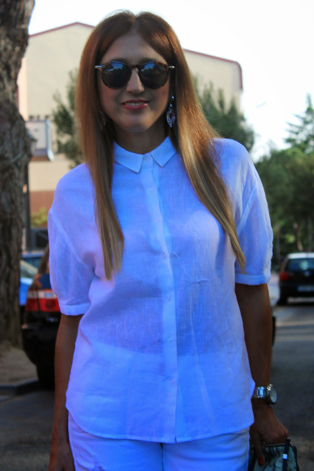 Fashion Style, White, Look, street style, Zara, Trafa, Zubi, bag, shirt, short, glasses, blog de moda, Carmen Hummer