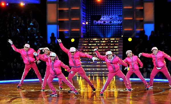2010 abdc season 6 iconic boyz abs. Between Iconic Boyz and Phunk