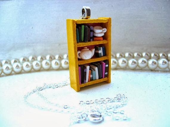 biżuteria w kształcie książki naszyjnik