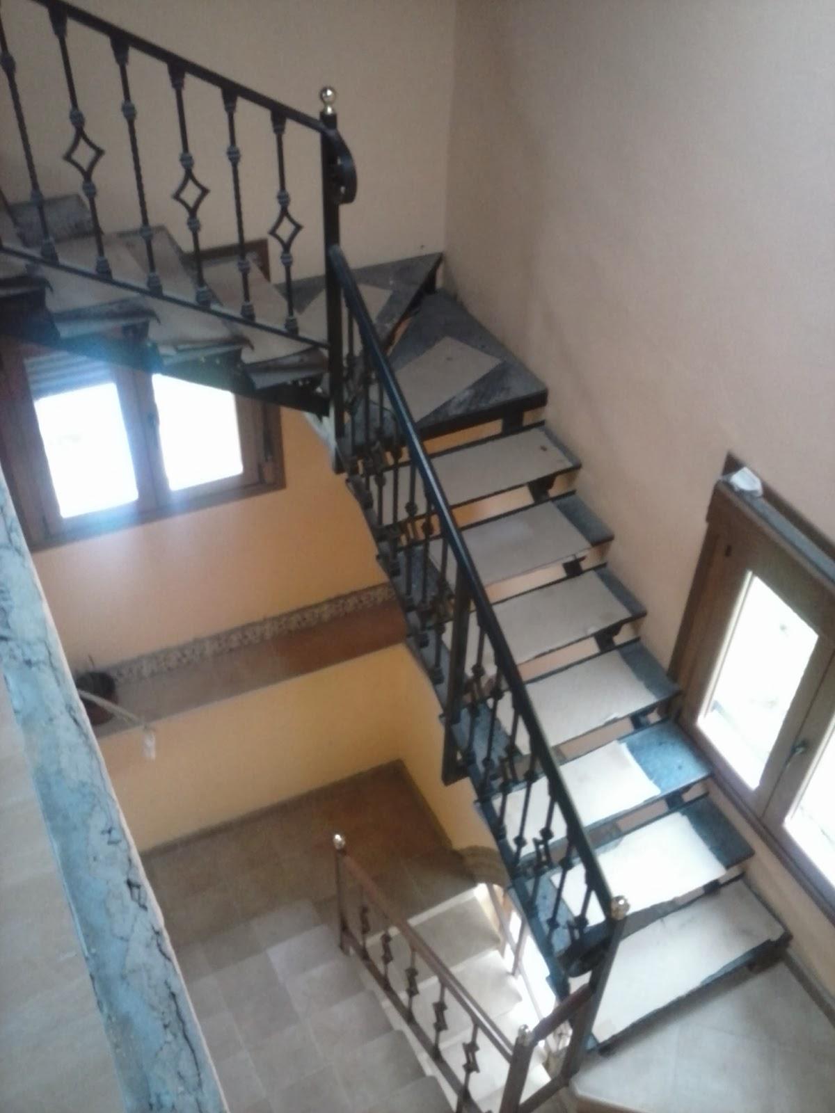 Mallando fierro estructuras de escaleras for Escalera 9 escalones