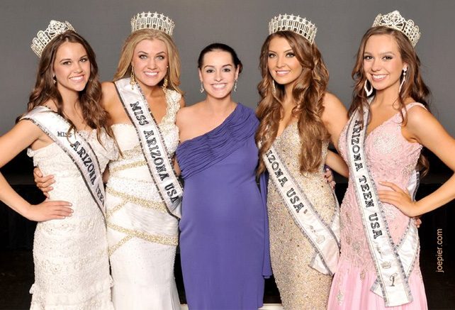 Alexa is the younger sister of Emerald Zellers, Miss Arizona Teen USA 2006.