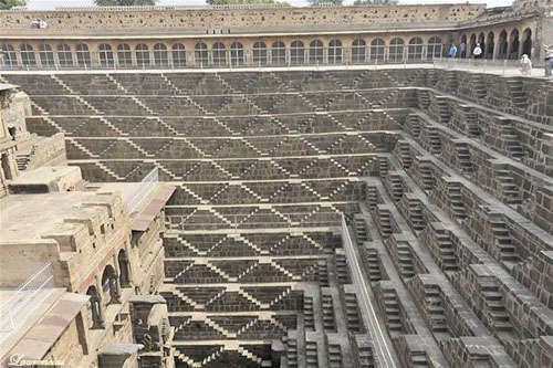 Sumur-Chand-Baori-Jaipur-India