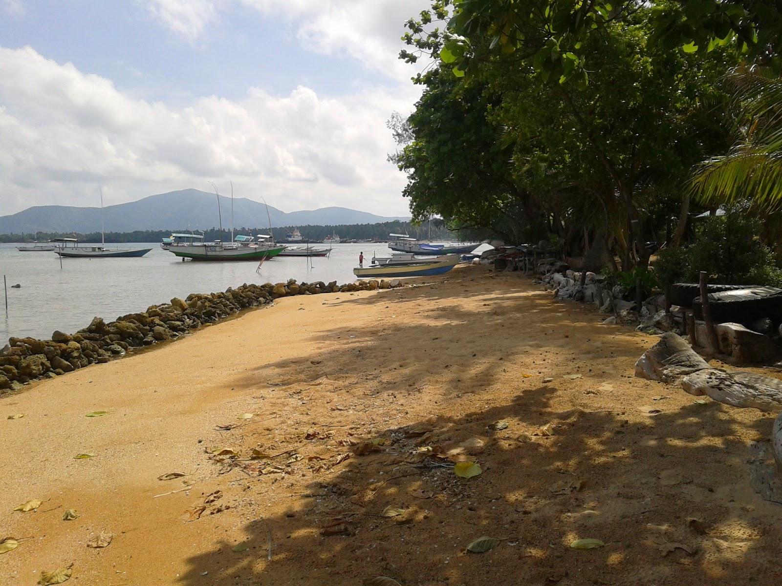 Pesisir di pantai Timo' Karimunjawa
