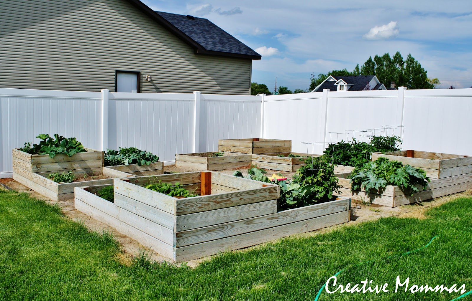 Creative mommas diy tiered raised garden beds for Garden box landscape and design