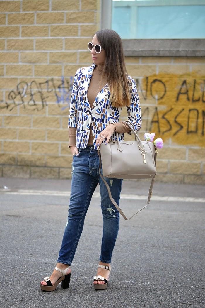 graphic print blazer