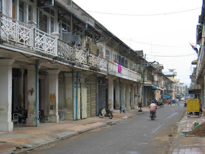 rue-battambang-architecture-coloniale