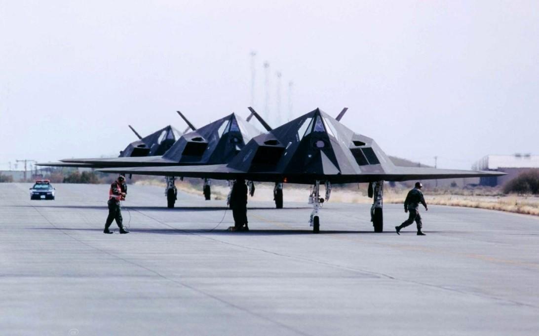 F-117 Nighthawk (Foto 4) PROKIMAL ONLINE Kotabumi Lampung Utara