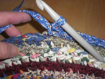 A Home Grown Journal Crocheted Rag Rug Tutorial Part Four Interesting Crochet Rag Rug Patterns