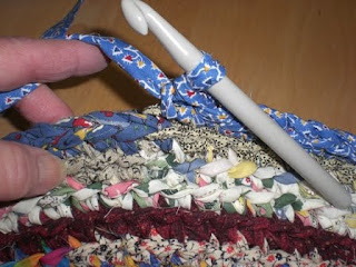 how to use a wire yarn stranding guide
