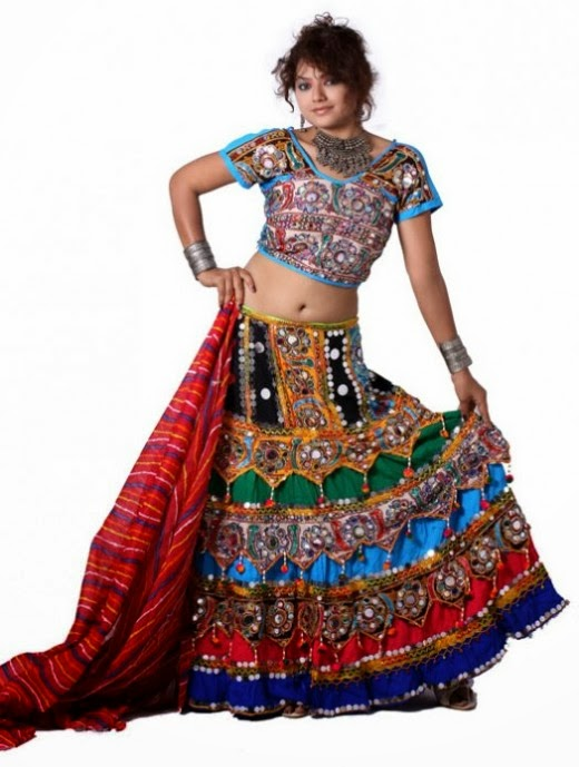 Latest Indian Designers Navratri Utsav Chaniya Choli 2013 - Best Fashion Designer in Ahmedabad ...