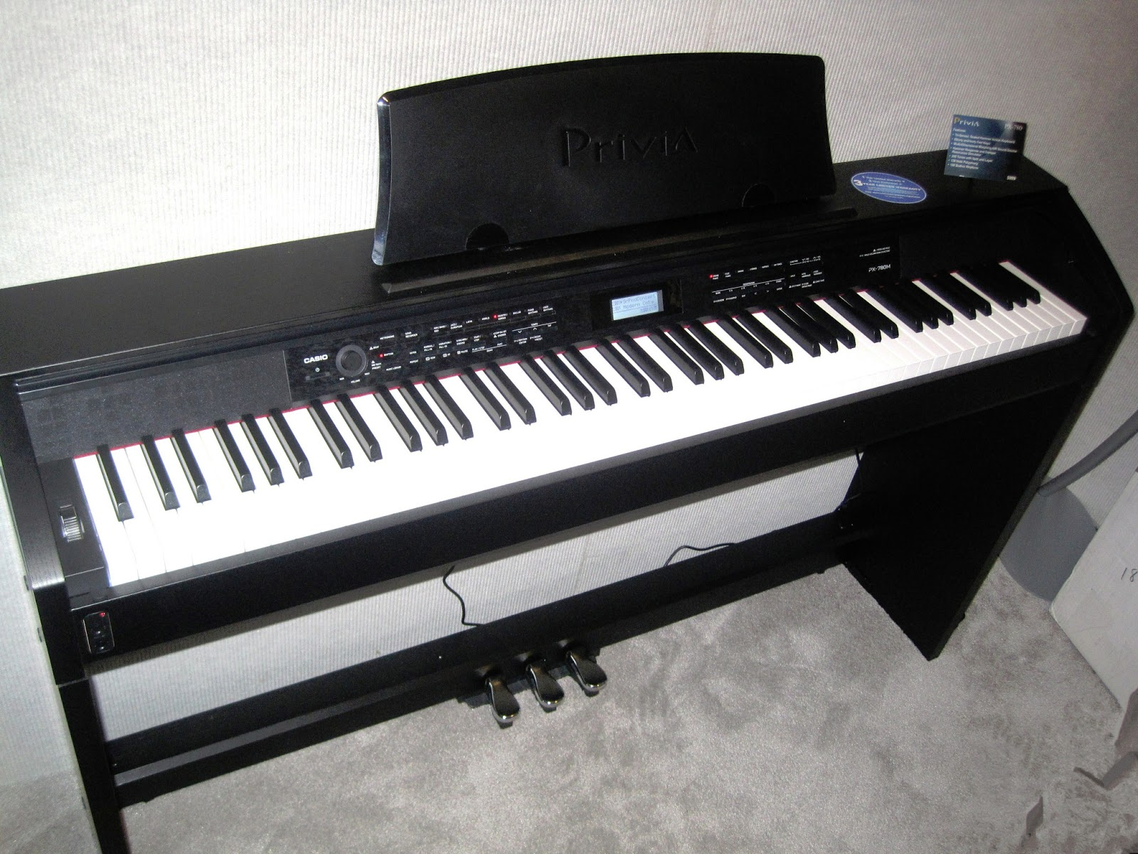 Az piano reviews review casio px780 digital piano a for Cheap yamaha keyboards
