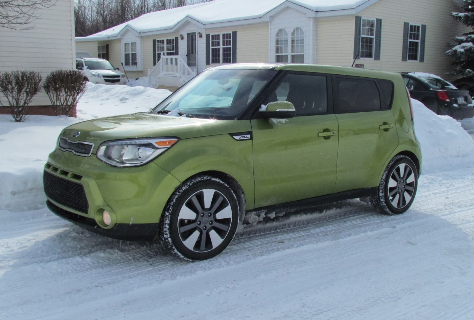 Mommys favorite things 2014 kia soul the 2014 kia soul gets 2331 mpg which is pretty great for a crossoversmall suv sciox Choice Image