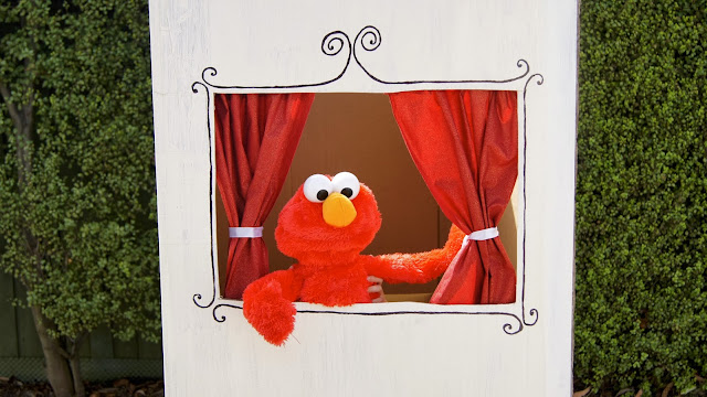 http://blogs.kidspot.com.au/villagevoices/make-a-puppet-theatre/
