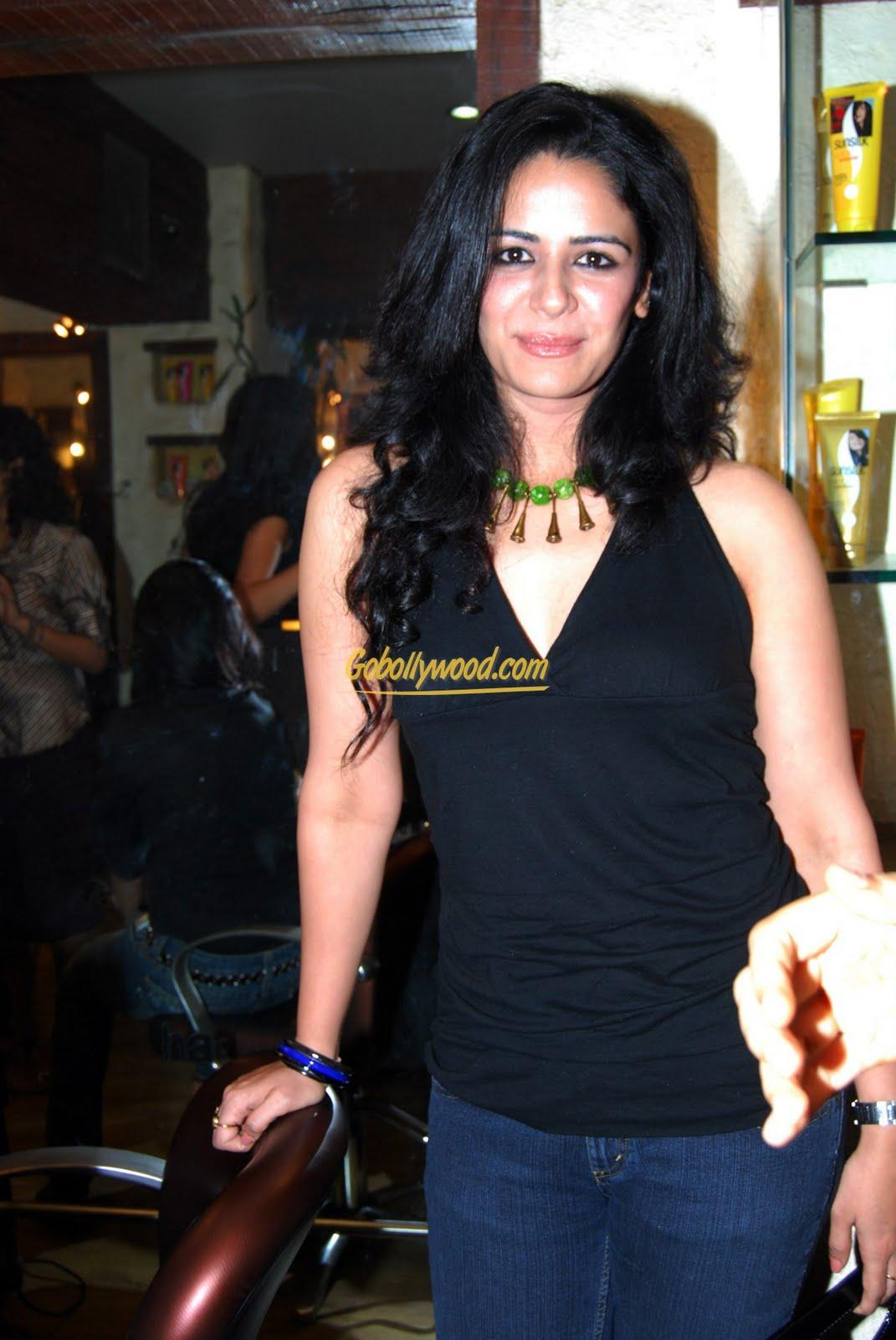 15 Hot & Sexiest Photos Rakul Preet Singh Bikini Image Mona singh hot pictures