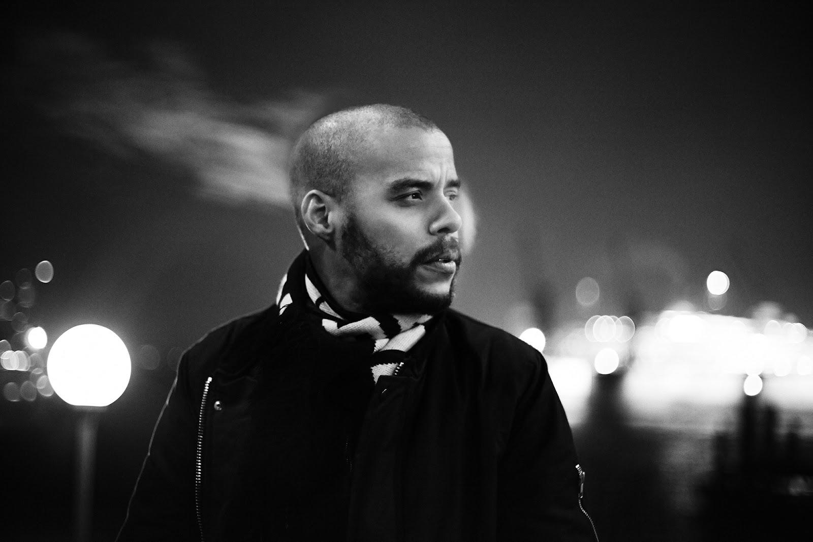 DENYO rappt SPACE JAM aus dem Album DERBE