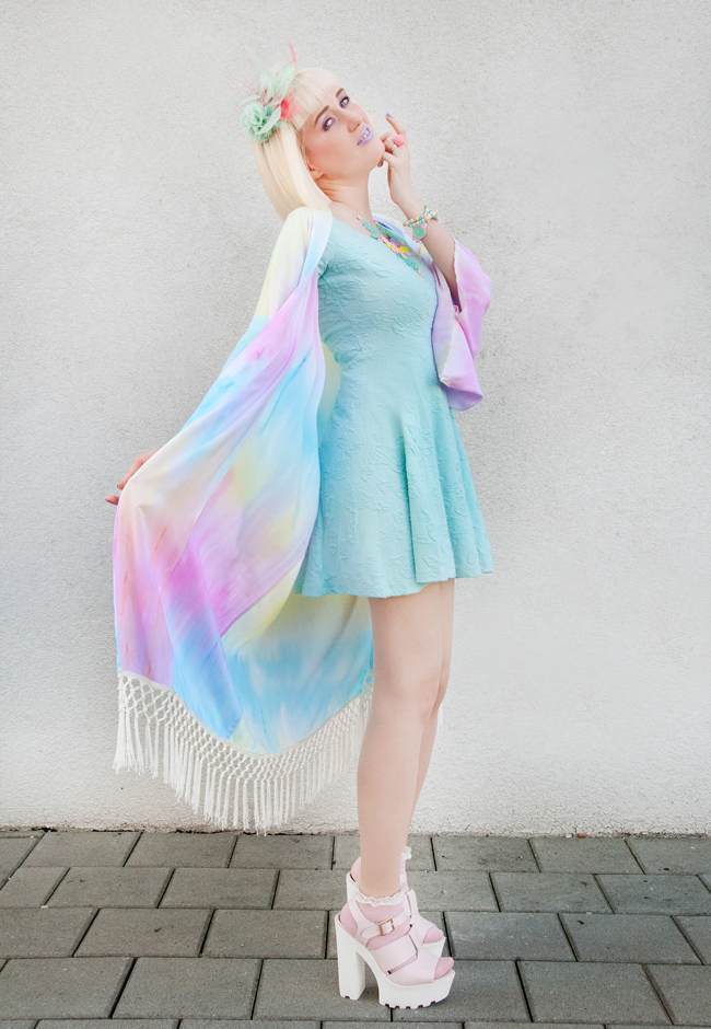 house of trendella blogger, kimono look, pastel rainbow look