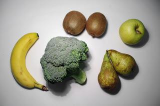 Zumo de kiwi, brócoli y pera con plátano y manzana - ingredientes