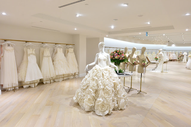 Kleinfeld Bridal Store, Hudson's Bay, Toronto, Canadá