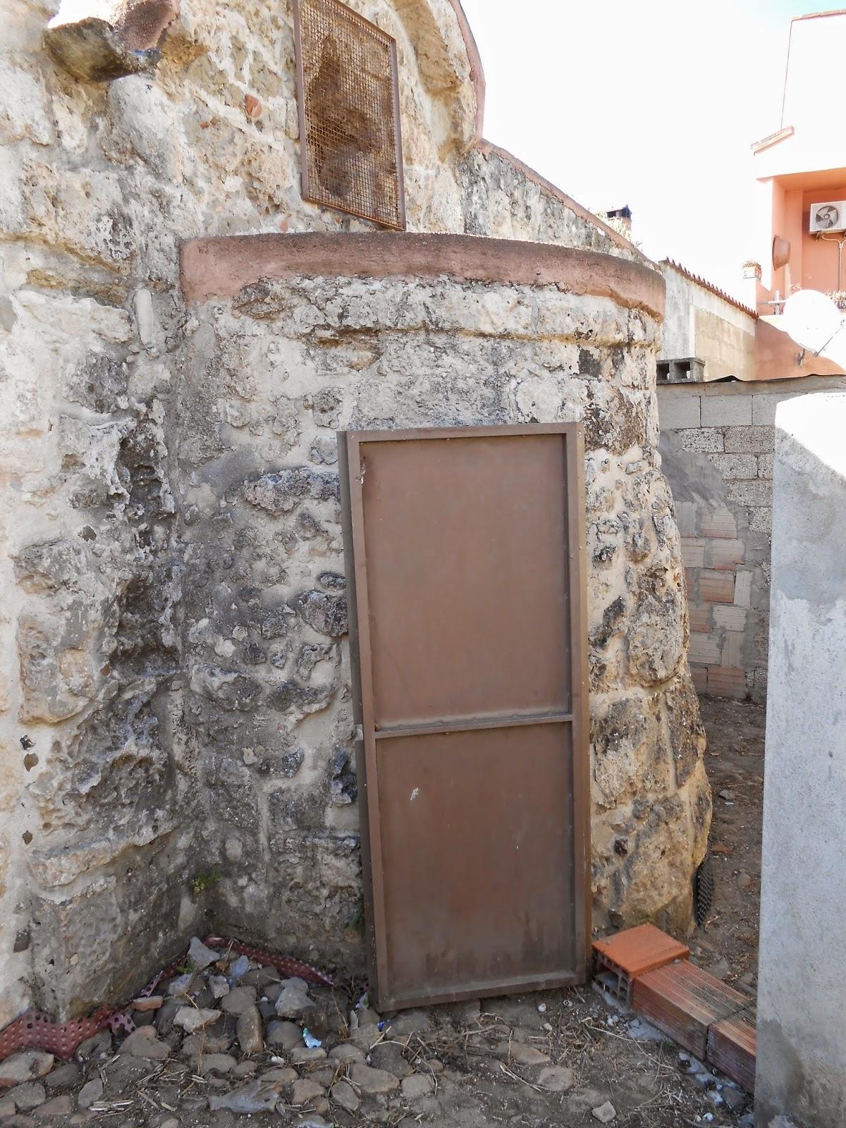 Il mulino del tempo la chiesa bizantina di san giovanni di assemini - Aprire finestra muro esterno ...