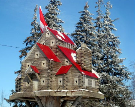 red roofed luxury birdhouses and bird mansions for pet birds